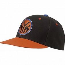 F77541 Adidas NBA Fitted NYK (black/orasld/blusld)
