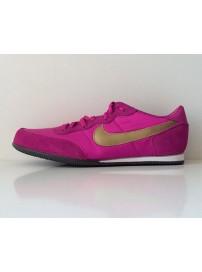 318830 672 Nike Track Racer