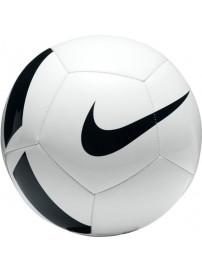 SC3166 100 Nike Pitch Team Football